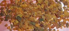 Μύρο (Commiphora Myrrha) –   Το μύρο είναι μια αρωματική ρητίνη που εκχυλίζεται από το δέντρο Com...