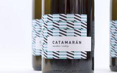 """""""Izando velas, ha llegado un nuevo Catamarán"""". Una propuesta de vino que renueva su imagen con una nueva botella y etiqueta."""