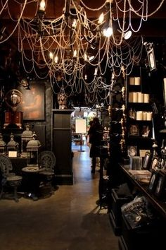 Punk home decor goth bedroom furniture gothic diy projects creepy room halloween decorating ideas for living Gothic Halloween Decorations, Fete Halloween, Holidays Halloween, Spooky Halloween, Halloween Themes, Happy Halloween, Halloween Lighting, Halloween Shops, Origami Halloween