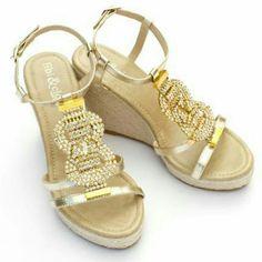 a49b3ccef439 New Fibi  amp  Clo Sandals Size 6-7 See Measurement Capri