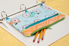 "Pencil case for a ring binder - I think I'll try and make a ""grown-up"" version with floral patterns :) Great website for sewing tutorials"