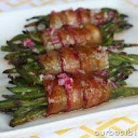 Bacon Wrapped Green Bean Bundles {Easter Menu}