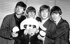 Paul McCartney, Richard Starkey, John Lennon, and George Harrison (The Beatles and John's panda) Beatles One, Beatles Photos, Great Bands, Cool Bands, Dont Poke The Bear, Richard Starkey, The Fab Four, Ringo Starr, George Harrison