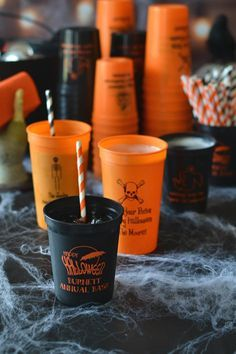 Halloween Party Decor - Serve up your Halloween drinks in plastic stadium cups personalized with a Halloween design and fun message from the party hosts. Guests can take these reusable party favors home as a souvenir of your Halloween Bash. Adult Halloween Party, Halloween Drinks, Halloween Birthday, Halloween Party Decor, Halloween House, Holidays Halloween, Spooky Halloween, Halloween Treats, Happy Halloween