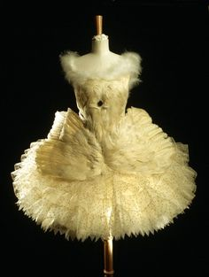 """the-ephemeral-magpie: """" Costume designed by Leon Bakst for Anna Pavlova in Swan Lake. """"Anna Pavlova's Swan Lake ballet dress. This white net tutu sewn with sequins and trimmed with goose feathers was. Anna Pavlova, Ballet Costumes, Dance Costumes, Léon Bakst, Swan Lake Costumes, Costume Original, Tutu Ballet, Ballet Feet, Vintage Dresses"""
