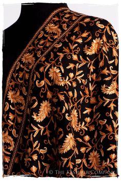Nuances de Brun Paisley Secret Garden Shawl Kashmiri Suits, Kashmiri Shawls, Kashida Embroidery, Princess Cut Blouse, Chinese Fabric, Embroidery Works, Pashmina Shawl, Traditional Sarees, Indian Designer Wear