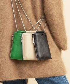 Small crossbody bags set of three in off white black and vibrant green, small crossbody bag on a silver chain strap My Bags, Purses And Bags, Small Leather Goods, Small Leather Bag, Fabric Bags, Cute Bags, Leather Accessories, Small Bags, Leather Working