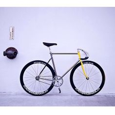 Fixed Gear Bicycle, Speed Bike, Bicycle Components, Cool Bicycles, Bike Design, Cycling Outfit, Bike Life, Color Mixing