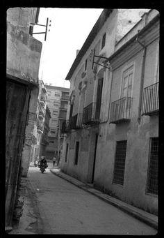 Calle de la Sal, hoy en día de Federico Balart, en S. Antolín, perpendicular al inicio de Sagasta