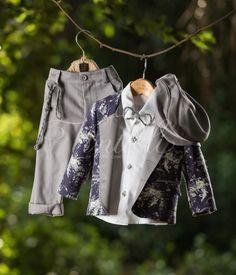 Βαπτιστικά ρούχα για αγορι χειμερινή σεζόν καλέστε 2105157506 Raincoat, Baby Boy, Vest, Jeans, Boys, Jackets, Fashion, Rain Jacket, Baby Boys