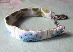 Stoffarmband in weiß/blau/grün & Geishaanhänger