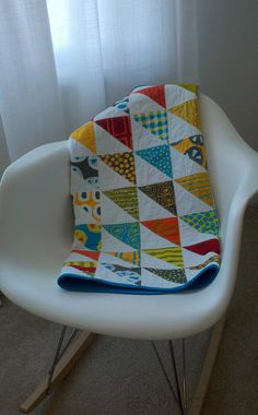 Triangle quilt - this pattern would be good for Liam's baby t-shirt quilt