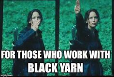 25 Funny Memes & Jokes About The Hunger Games Hunger Games Memes, Hunger Games Fandom, The Hunger Games, Hunger Games Trilogy, Hunger Games Salute, Hunger Games Hand Sign, Memes Humor, Mama Memes, Jokes