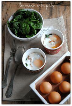 oeufs cocotte aux épinards frais et tomates séchées