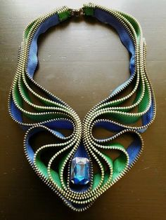 Originated from the gorgeous Summer Knight Necklace design, this necklace is made in another stunning color version: emeralde green and sapphire