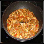 Koolhydraatarme-champignon-goulash-slank4u2 Goulash, Veggie Keto, Tasty, Yummy Food, Weight Watchers Meals, Healthy Cooking, Slow Cooker, Main Dishes, Curry