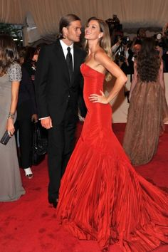 Romance on the red carpet: 26 of our favourite couples from the Met Gala - Vogue Australia