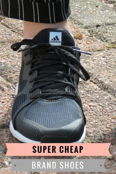 Are you looking for new real Adidas shoes? These shoes are really a bargain! In this article I will show you how you can combine these superstar shoes with an awesome outfit. These shoes are for women, but can also be worn by men with some cool clothes.