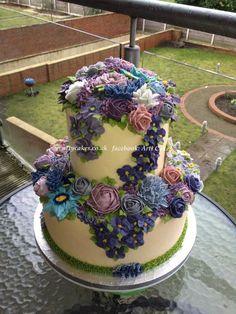 www.facebook.com/cakecoachonline - sharing......Purple-blue Love Wedding Cake