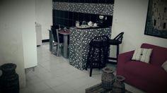 my house! Cozinha preta com bancada xadrez ! Quadro de klint!  porcelana chá da tarde vintage!