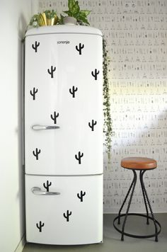9 Ways to Fix the Ugliest Things You Thought Couldnt Be Fixed in Your Rental Kitchen, AKA Rental Kitchen Design Fixes. Fridge Decor, Kitchen Decor, Kitchen Design, Rental Decorating, Decorating Tips, Ikea Raskog, Deco Cactus, Fridge Makeover, Ugly Kitchen