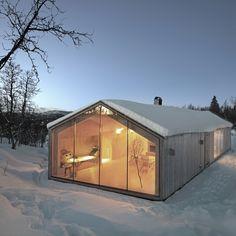22.5 тыс. отметок «Нравится», 208 комментариев — Architecture & Design (@architectanddesign) в Instagram: «Project of the Week: V-Lodge designed by @reiulframstadarchitects (2013) #Buskerud #Norway :…»
