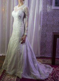 Lindíssimo vestido de noiva confeccionado sob medida por um estilista de Porto Alegre.