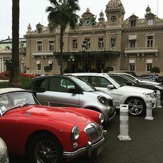 #Casino Casinot ser väldigt litet ut, men det finns finfina bilar här i Monaco #nuärdetroligtigen #monacocars #casino by lisbetholofsdottermalm from #Montecarlo #Monaco
