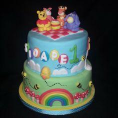 Winnie the Pooh Cake ayyyyyy
