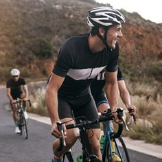 Simple tips to improve your cycling - weblinks - We have put together some expert advise on the correct cycling techniques and tips, which will help you ride better and faster with reduced risk of injuries.