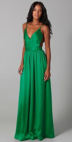 emerald gown. so i want this but i don't have a place to wear it...