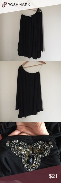 One Shoulder Detailed Black Sheer Mini Dress This dress has only been worn once and is like brand new. It is a very fun and sexy dress to wear with one sleeve and bedazzled top part of it 🔥 Roommates Dresses One Shoulder