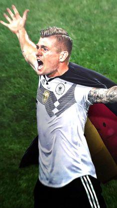 Kroos Football Is Life, Sport Football, Football Players, Germany Team, Germany Football, Toni Kroos, Steven Gerrard, Premier League, Zamalek Sc