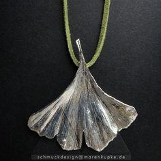 size S - Ginkgo Anhänger Silberschmuck Geschenk Symbol für Lebenskraft