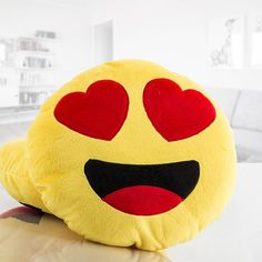 If you want to surprise someone special with an original gift, the Emoticon Heart Eyes cushion is the perfect solution. There is nothing more decorative than this special pillow. Soft to the touch and polyester. (diameter x depth): 31 .