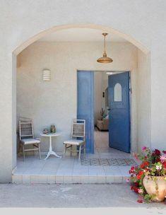 Greek influenced house in Israel Home Office Design, Interior Design Kitchen, House Design, Yoga Studio Design, Mediterranean Home Decor, Desert Homes, House Entrance, House Front, My Dream Home