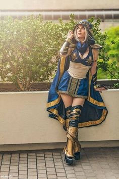 League of Legends - Ashe Cosplay / Cosplayer: Riddle's Messy Wardrobe / Photo: WeNeals Photography