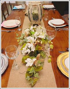 Table Centerpiece ideas made with real flowers. Learn to make an inexpensive flower arrangment that will impress your guest!