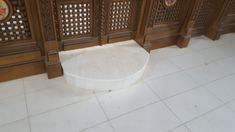 idei pardoseli marmura granit travertin medalioane GVB Stone Division Division, Bathtub, Stone, Bathroom, Travertine, Standing Bath, Washroom, Bathtubs, Rock
