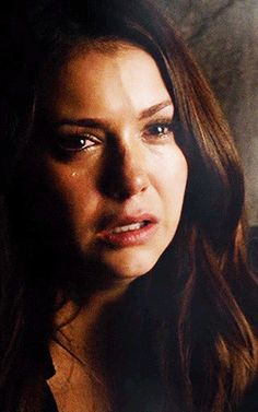Accurate picture of me watching the episode ( why did he have to die ) Nina Debrov, Ian And Nina, The Vampire Diaries 3, Vampire Diaries The Originals, Delena Gif, Cw The Originals, Vampire Daries, Original Vampire, Katherine Pierce