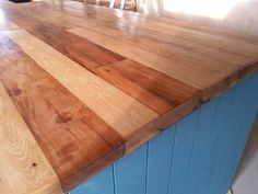 To go with the rustic look of the house we have made a laminated DIY recycled wooden countertop. Woodworking Square, Woodworking Shop Layout, Best Woodworking Tools, Woodworking Logo, Woodworking Bench, Butcher Block Cutting Board, Bamboo Cutting Board, Diy Recycle, Recycling