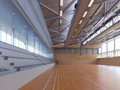 Gallery of Guingamp / Agence d'Architecture Robert et Sur - 16