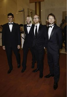 Foo Fighters...Taylor is in a suit!! Would love to know when/where...