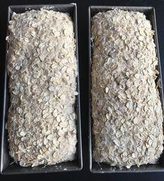 Denne oppskriften gir to glutenfrie ekstra grove brød. De er svært saftige og fantastisk gode. Perfekt for en god og sunn start på dagen. Klikk på bildet for å komme til oppskriften. Fodmap Recipes, Gluten Free Recipes, Bread Recipes, Healthy Recipes, Lchf, Our Daily Bread, Grain Foods, Sourdough Bread, World Recipes