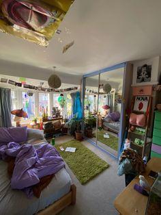 Indie Room Decor, Cute Room Decor, Aesthetic Room Decor, Room Design Bedroom, Room Ideas Bedroom, Bedroom Decor, Bedroom Inspo, Awesome Bedrooms, Cool Rooms