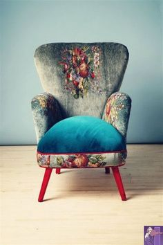 How to reupholster a chair even if you use S. - Repurpose Ideaschair ideas re.How to reupholster a chair even if you use S. Funky Furniture, Painted Furniture, Furniture Design, Country Furniture, Furniture Ideas, Funky Chairs, Cool Chairs, Black Chairs, Colorful Chairs