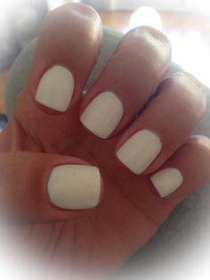 White short nails