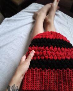 I jeszcze ostatnie! Kocham ten ścieg 😍❤👌 #hat #handmadehat #crochet #crocheting #szydełko #szydełkowanie #handmade #rekodzieło #handmadeinpoland #craftart #craft #karolahandmade #yarn #yarnporn #nowerzeczy #inprogress #wip #workworkwork #puffstitch #stitch #puffstitchhat #lovehandmade #moderncrochet #crochetlover #legs #crochetgirl #polishgirl