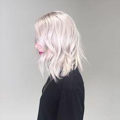 This 👌🏼👌🏼👌🏼 Color by @brandynolanhair #hair #hairenvy #hairstyles #haircolor #blonde #platinum #highlights #newandnow #inspiration #maneinterest