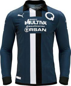 Querétaro FC celebra su 65 aniversario con una camiseta conmemorativa